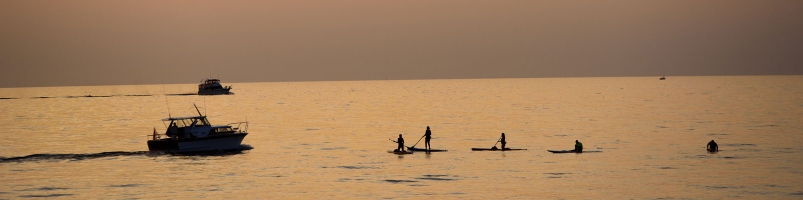 Stand-up Paddle Surfing