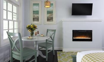 Lakeshore Dining Area