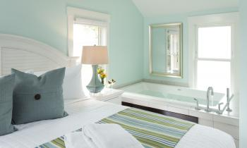 Twin Gables Jetted Tub